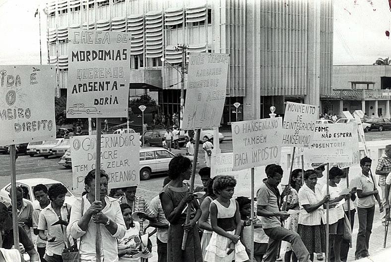 Manifestação em frente à Assembléia Legislativa (1985)