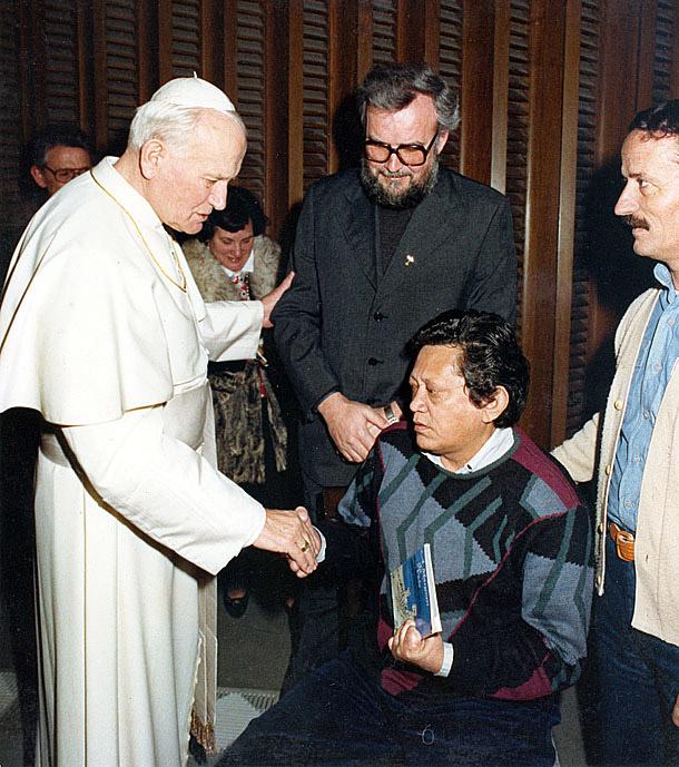 Com João Paulo II (1990)